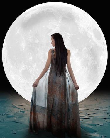 Moon Conjunct Venus in the Natal Chart: Not As Sweet As It Seems